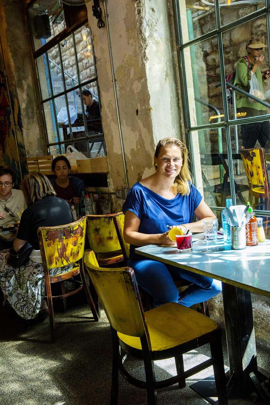 The Crave-ravintola Jerusalemin Mahane Yehuda-torilla. Kuva: Robert Seger